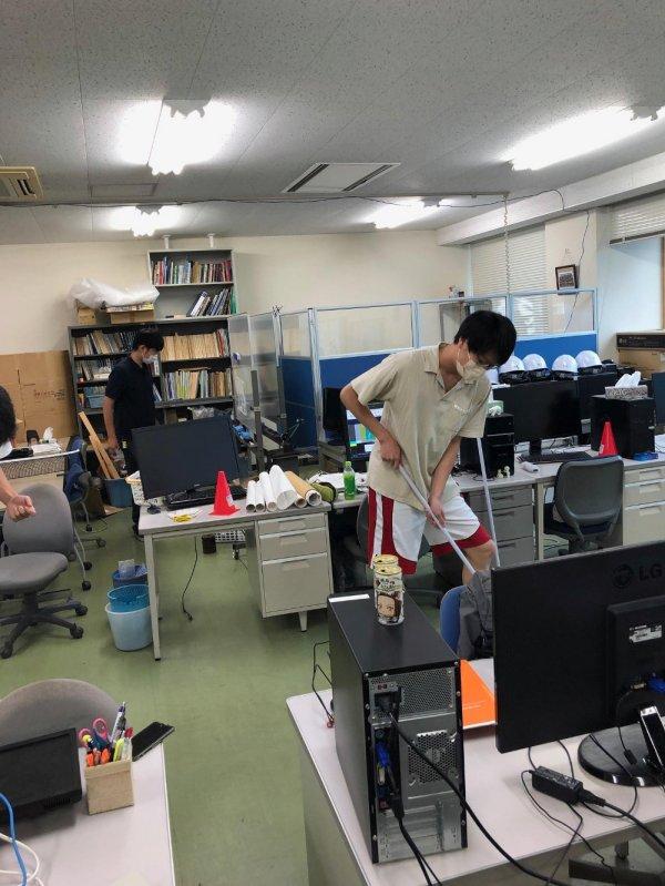 https://www.str.ce.akita-u.ac.jp/~gotouhan/syasin/f21souji2.jpg
